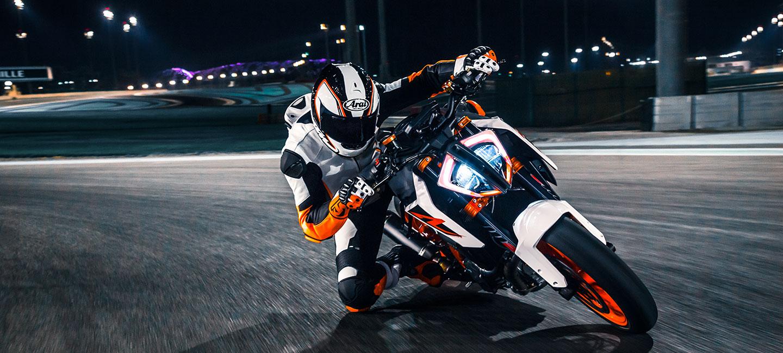 Motor racer op KTM.